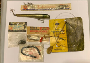 Lot Of Vintage Old Fishing Lures And Tackle Items
