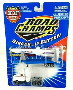 Road Champs Bigger is Better Trailer Truck and Cab with NASA Rocket Diecast