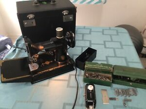 Vintage. SINGER 221 Featherweight Sewing Machine. AK620413 with accessories $424.00