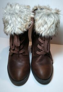 Charlotte RusseWomen Leatherette Lace Up Fur Cuff Chunky Heel Bootie S 8used