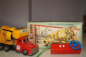 japan tin battery operated toys cement mixer truck