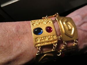 MAGNIFICENT VINTAGE BRACELET NEW NEVER WORN ONE OF A KIND MUST SEE