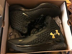 Under Armour Curry 1 one gold banner black DS 8