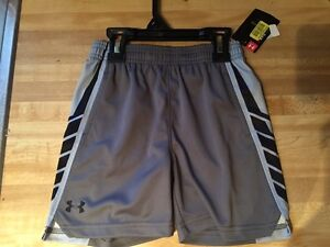 NWT Under Armour Boy's 3T Select HeatGear Athletic Shorts Gray & Black 27A45015