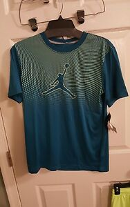 NWT Nike Air Jordan Youth Boys Youth Med  Volt Green Abyss Dri-Fit Shorts Set