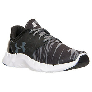 New Boys Youth Under Armour Flow Shoes Style 1265337-001 BlackGray 97T lr