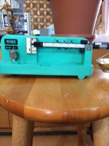RCBS 10-10 reloading scale