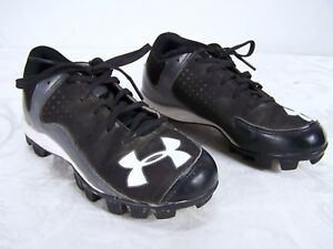 Under Armour Black Lace Up Cleats Shoes Boys Youth Size 2