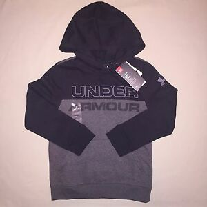 Boys size S 8 Under Armour Pullover Hoodie Black  Gray Nwt
