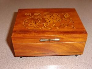 Vtg Italian Wood Marquetry Music Box w Swiss Reuge Movement Plays