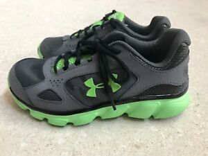 NEW BOYS UNDER ARMOUR UA ATHLETIC SHOES YOUTH SIZE 2.5 2.5Y GRAYGREEN