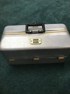 Vintage Umco 1000 AS aluminum tackle box loaded with fishing lures tackle reel