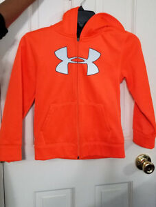 Under Armour Boys zipup hoodie jacket size 8