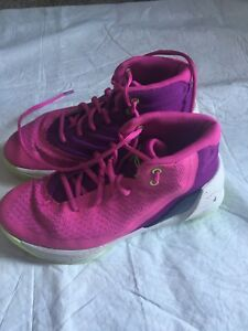UNDER ARMOUR SC Steph Curry Girl Shoes Sz 2.5y  Basketball Pink Lace Up