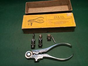LYMAN IDEAL No. 3 HAND RELOADING TOOL FOR .22 HORNET WITH DIES