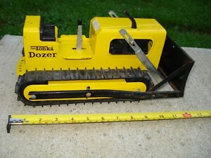VINTAGE TONKA DOZER PRESSED STEEL TIN CRAWLER CONSTRUCTION FROM RAD-SALES TOY
