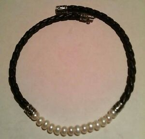 Pearl and Leather Choker Necklace