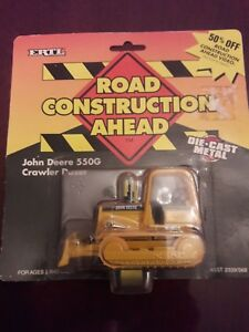 John Deere 550G Crawler Dozer Road Construction Ahead Series By Ertl 164th 1997