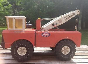 Vintage 1970's Mighty Tonka AA Wrecker Truck Metal Construction ** One owner!