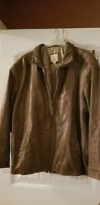 Jos A Bank Brown Leather Bomber Jacket Men XXL gently used flight aviator