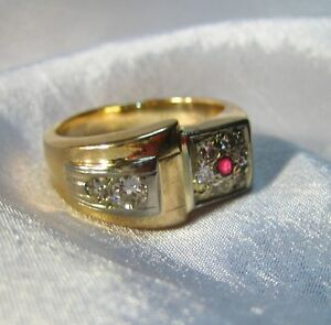 15.9 Grams Vintage Solid 14KT Gold .53 CTW Diamond and Ruby Ring SZ 12