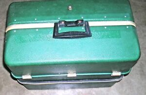 NICE VINTAGE UMCO 4080 UPB POSSUM BELLY 8 TRAY TACKLE BOX