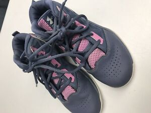 Under Armour Girl's Size 3 Grade School Basketball Shoes Sneakers EUC!