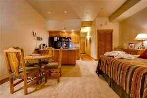 5 Nights: Eagleridge Lodge 312 Condo by RedAwning ~ RA54077