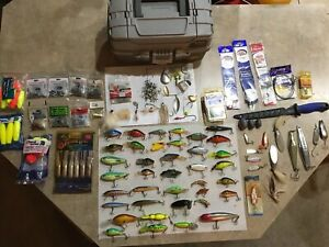 Lot of 85+ Vintage Fishing Lures Bass Mixed Brands Heddon Rapala Wiggle Wart Ect