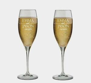 Personalized set of 2 Champagne Glass for Bride & Groom,Flutes, wedding Glasses