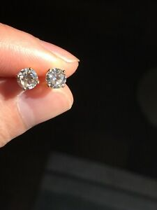 14k yellow gold 5mm diamond earrings IJ Si 1ctw very nice quality