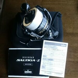 Daiwa SALTIGA Z 6500H Dog Fight Fishing Spinning Reel   Good