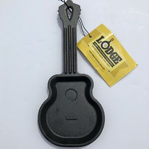 New Lodge Cast Iron Guitar Shaped Skillet Black Spoon Rest USA HGSK Discontinued