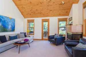 30 Nights: RIVERVIEW RESIDENCE Home by RedAwning ~ RA263988