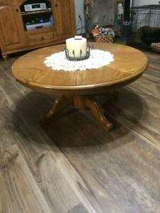 Beautiful Oak Coffee Table And End table Set