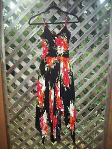 Sacred Threads One Size Adjustable Tropical Floral Red Black Handkerchief Dress