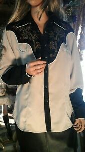 VTG WRANGLER EMBROIDERED WESTERN COWGIRL SHIRT SZ LARGE RODEO SHOW BLACK TAN