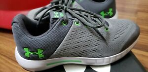 Under Armour Pursuit Running shoes Boys size 4Y