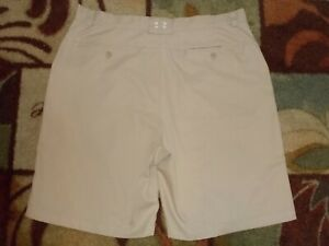 Men's UNDER ARMOUR golf casual shorts size 38 flat front light beige