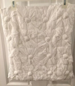 """DKNY White FLOWERING WILLOW RUCHED EURO SHAM TOSS PILLOW Cover 17"""" EUC"""