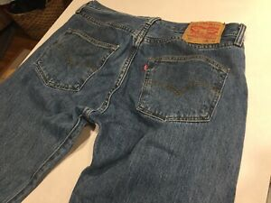 Levis 501 Denim blue Jeans Medium wash 32x32 Button Fly Actual 32x30
