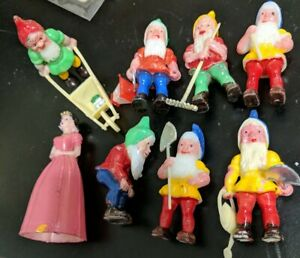 Vintage Snow White and the Seven Dwarfs Food Cake Topper Decoration Set un-Used