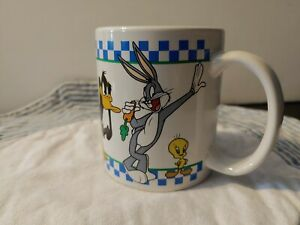 Looney Tunes 1998 Coffee Mug Sylvester Bugs Tweety Taz Daffy road runner