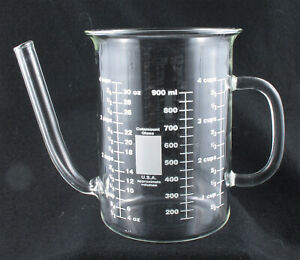 New Catamount 4 Cup Glass Beaker Measuring Cup 900 ml Low Spout Unused