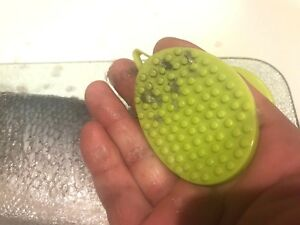 Designed Fish Cleaner Kitchen Hand Tool Fish Scale Remover In 5 Minuets