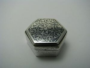 ANTIQUE SILVER PILL BOX PILLBOX NIELLO ENAMEL OPIUM BOX 900 Silver ca1900s Rare