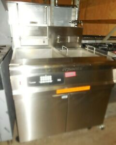 USED FRYMASTER MODEL: GPCRBSC - GAS PASTA COOKER WITH BASKET LIFTS AND RINSE TAN