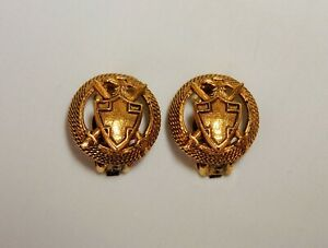 Vintage Signed Florenza Clip On Earrings Royal Coat of Arms Excellent $9.75