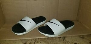 Nike youth Slippers Size 1 $5.00