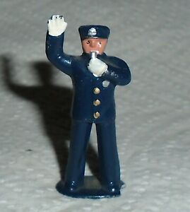 VINTAGE Lead Barclay Little People quot;Policemanquot; B275 Near Mint Cond. Free Ship.